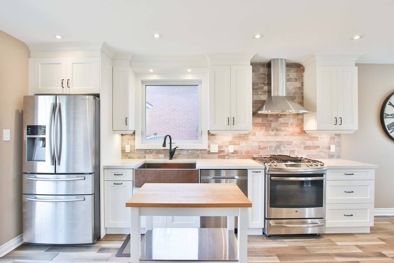 straight-modern-classic-kitchen-sidekix-media-OwDrI8qIYLM-unsplash-mebelux
